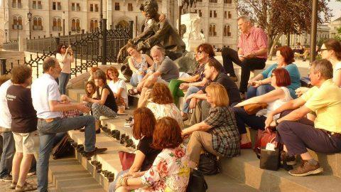 Üljük körül József Attilát – Galéria és Vercseg Ilona előadása a közösségről