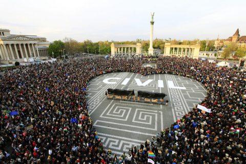 FRISSÍTVE: 150 civil szervezet kiáll a helyi közösségekért, a békés Magyarországért dolgozó civilekért